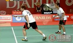 李龙大/郑在成VS费尔纳迪/普特拉 2012印尼公开赛 男双1/8决赛视频