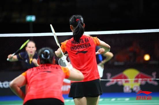 图文解释羽毛球的双打规则